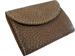 Kleine portemonnee van buffelleer, met kleine geld zeer compact, zie pasjes gedeelte in de foto's, pasjes kunnen klein een beetje uitsteken.