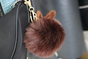 Pompom rabbit faux fur sleutelhanger