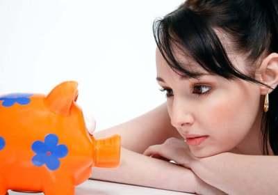 sparen, porterenee, waar doet ze het van, inkomsten, uitgaven