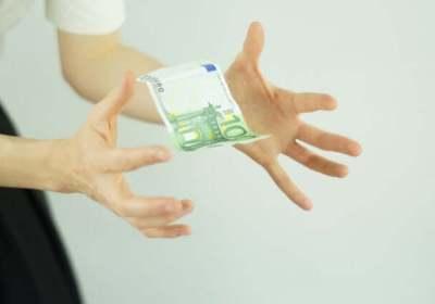 sparen, porterenee, besparen, vermogen opbouwen, vermogen, rijk, miljoen, waar doet ze het van, waar doen ze het van