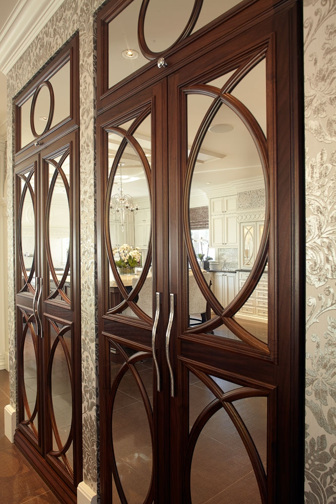 Cabinet doors with special mullions