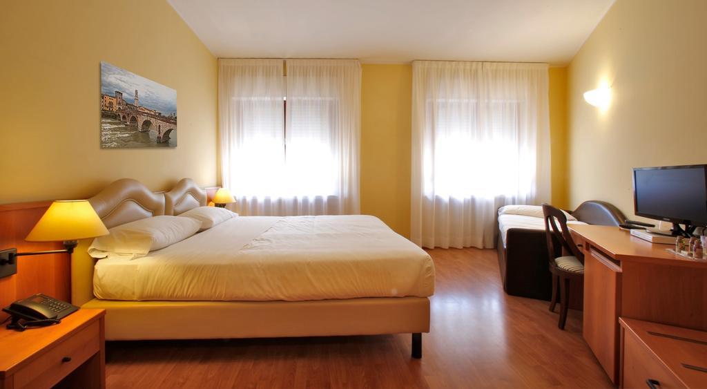 camera da letto - Hotel Veronello - Asd portieri nati per volare