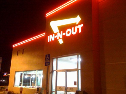 in-n-out_b_web.jpg