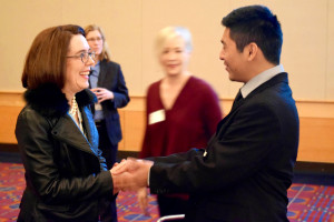 luis-meets-governor-kate-brown-at-pwa-expo-breakfast-2016