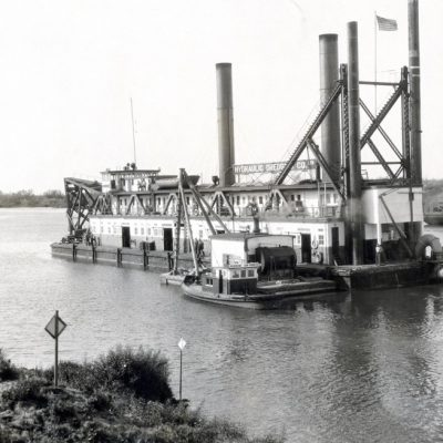 Dredging the Port 1930s