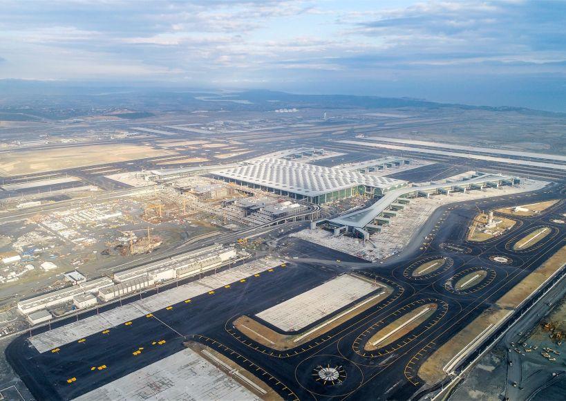 البدء بعمليات صب الإسفلت في مطار إسطنبول الثالث