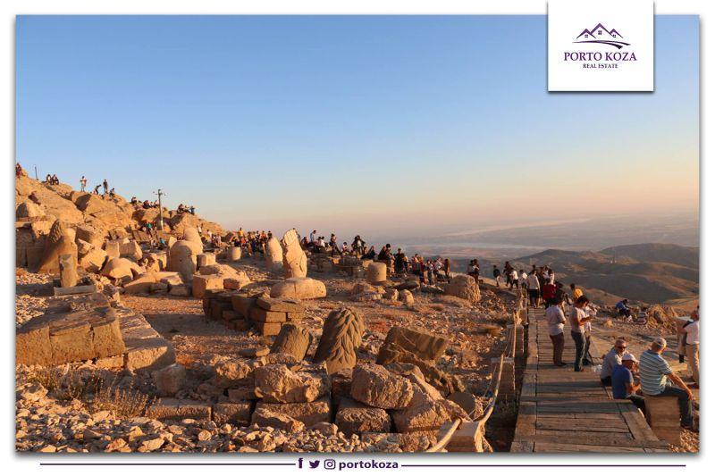 """جبل نمرود""""أفضل مكان في العالم لمشاهدة شروق الشمس وغروبها"""""""