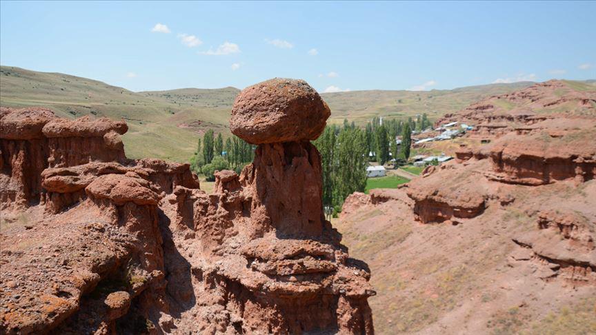 علماء الجيولوجيا، أن مداخن نارمان تشكلت قبل 300 مليون عام