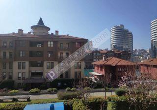 شقة للبيع  مقيم للجنسية التركية غرف 4+1 في كوتشوك شكمجة ، حي أتاكنت