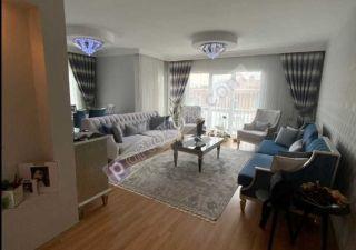 شقة للبيع  مناسبة للعائلات غرف 5+2 في بيوك جكمجة