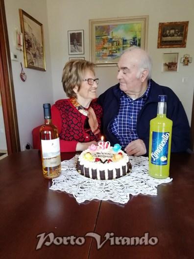 Il taglio della torta dei coniugi Bellato