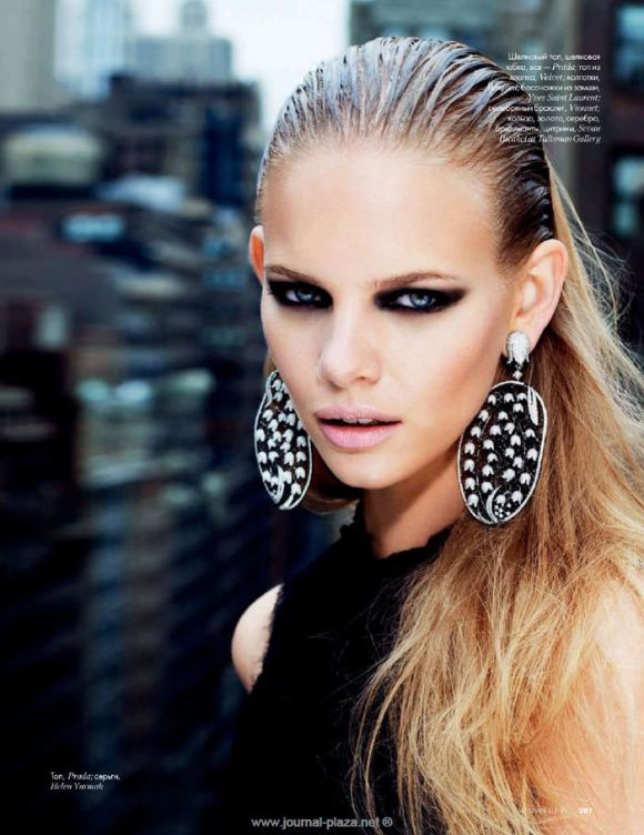 """Marloes Horst photographed by Erez Sabag in """"Крыша мира"""" for Elle Russia, February 2010 3"""