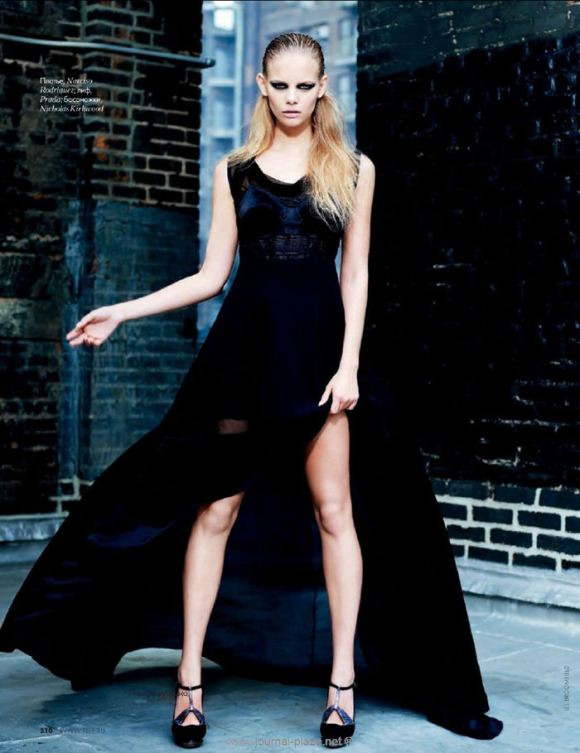"""Marloes Horst photographed by Erez Sabag in """"Крыша мира"""" for Elle Russia, February 2010 5"""