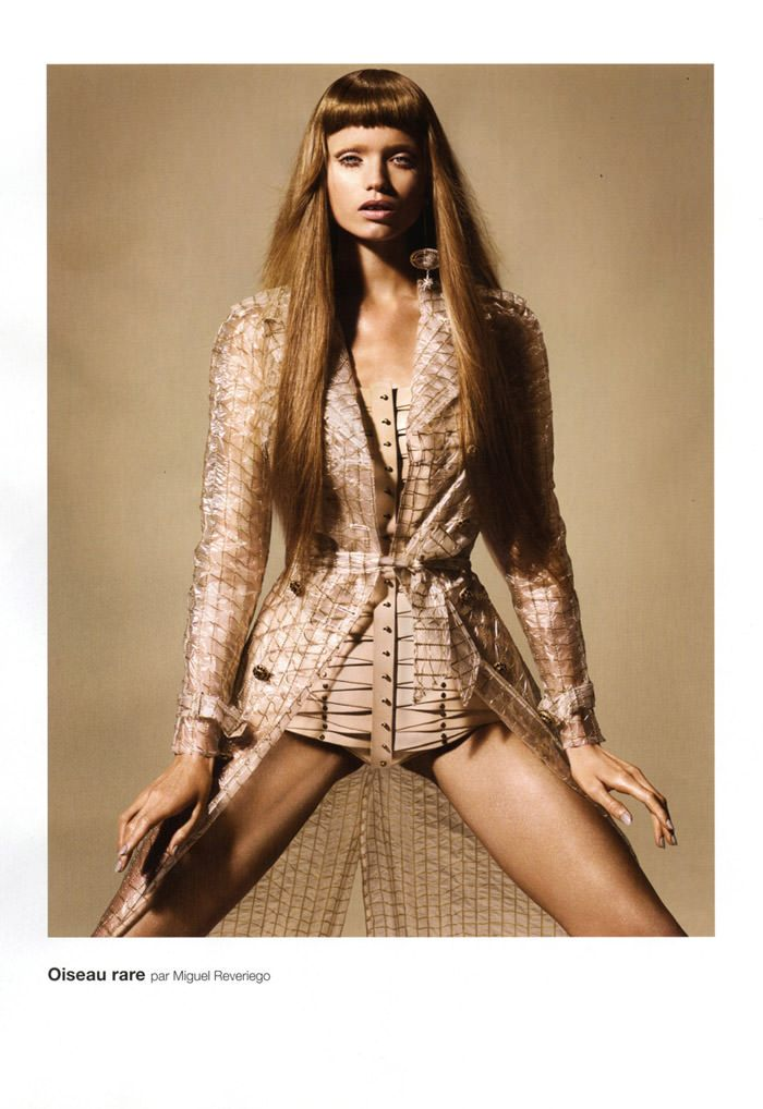 """Abbey Lee Kershaw photographed by Miguel Reveriego in """"Oiseau Rare"""" for Numéro #109 1"""