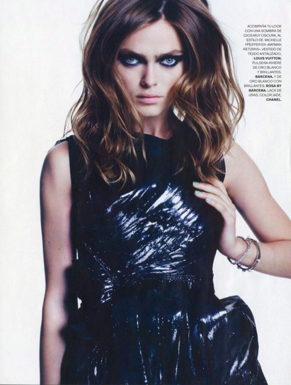 """Sophie Vlaming photographed by Max Cardelli in """"Cat Woman"""" for Maire Claire Spain, January 2010 2"""