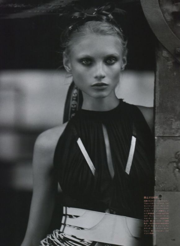 """Anna Selezneva photographed by Mark Segal in """"The Lonesome Highway"""" for Vogue Nippon, March 2010 4"""