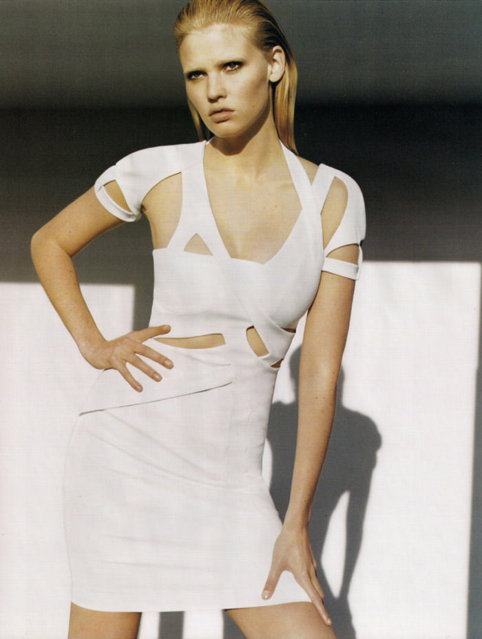 "Lara Stone photographed by Alasdair McLellan in ""Go Figure"" for Vogue UK, April 2010 4"