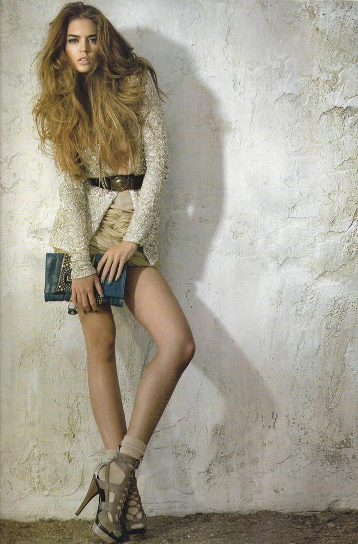 """Clara Alonso photographed by Fernando Bosch in """"Accesorios Dales Un Twist"""" for Elle España, April 2010 12"""