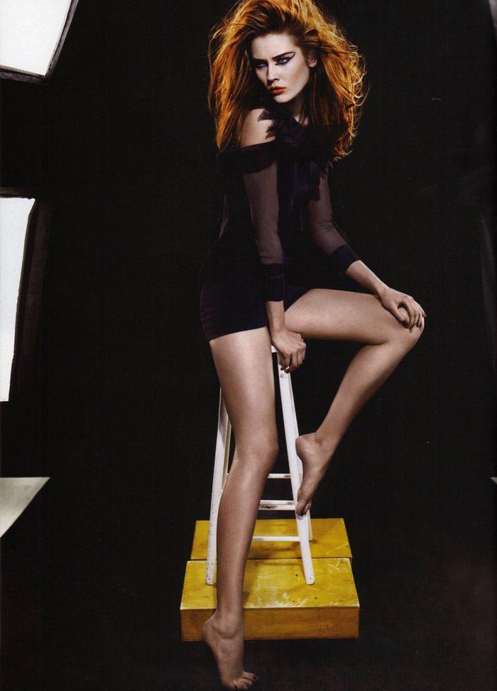 """Monika """"Jac"""" Jagaciak photographed by Miguel Reveriego in """"Et Je Te Veux Cruelle"""" for Numéro #111 7"""