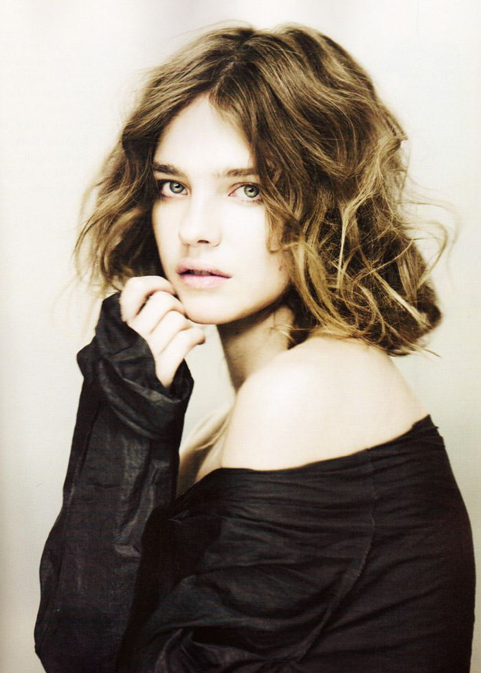"""Natalia Vodianova photographed by Paolo Roversi in """"Heart Is Where Home Is"""" for i-D Magazine, Spring 2010 4"""