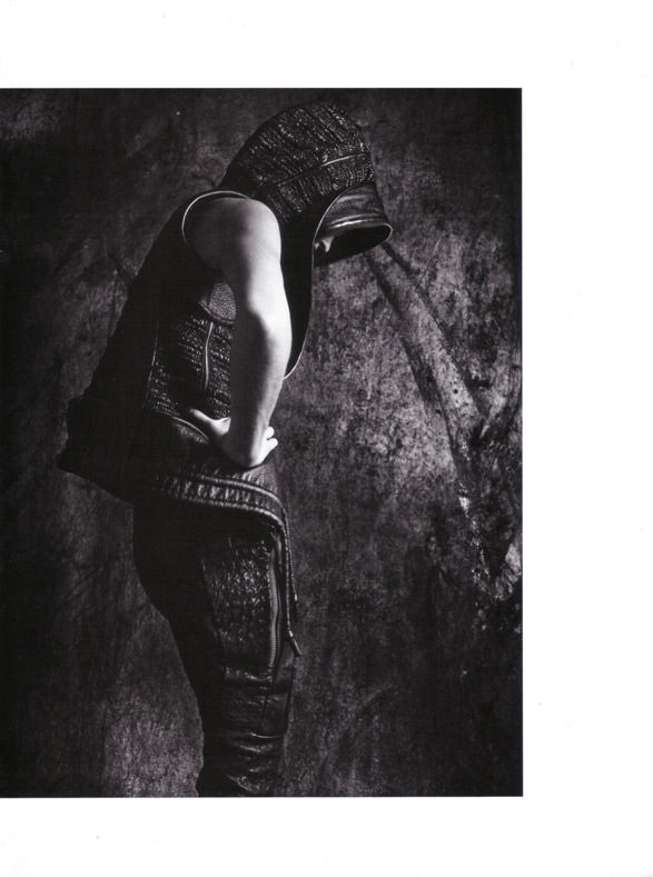 "Sasha Pivovarova photographed by Mario Sorrenti in ""Uniform: A Singular Mood"" for Vogue Italia, April 2010 5"