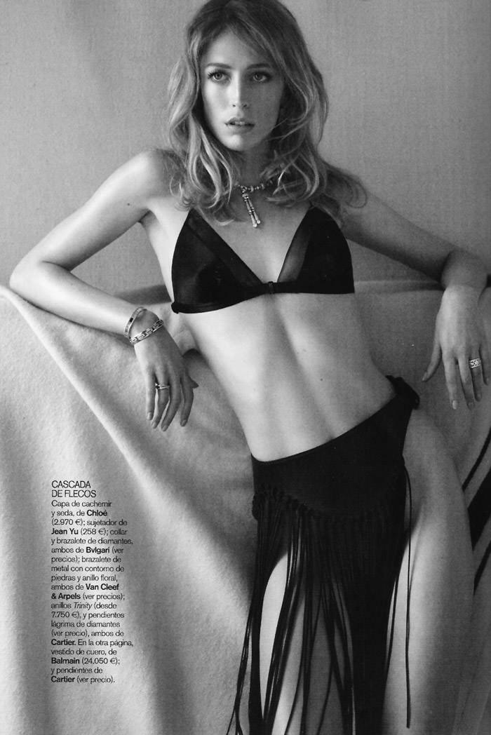 """Raquel Zimmermann photographed by Alex Cayley in """"Sola Ante El Peligro"""" for Vogue España, May 2010 6"""
