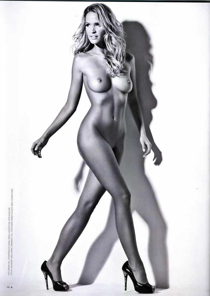 Linda Zimány in Playboy Hungary, May 2010 8