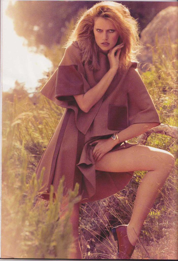 Cato Van Ee photographed by James Macari for Vogue España, August 2010 2