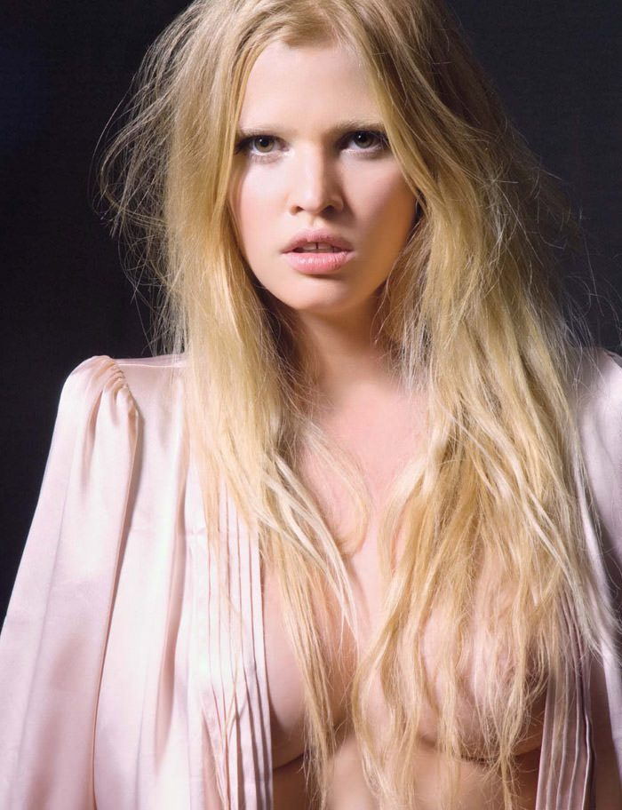 """Lara Stone photographed by Greg Lotus in """"Lara Stone est ma Drogue"""" for Playboy France, June 2010 3"""