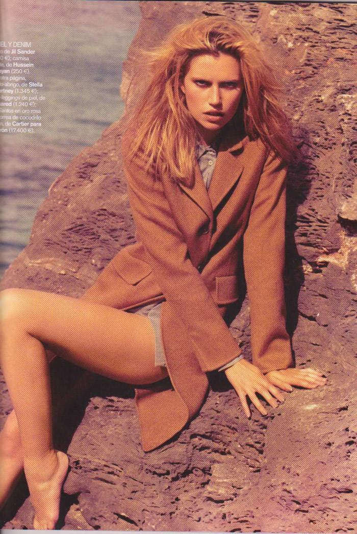 Cato Van Ee photographed by James Macari for Vogue España, August 2010 5