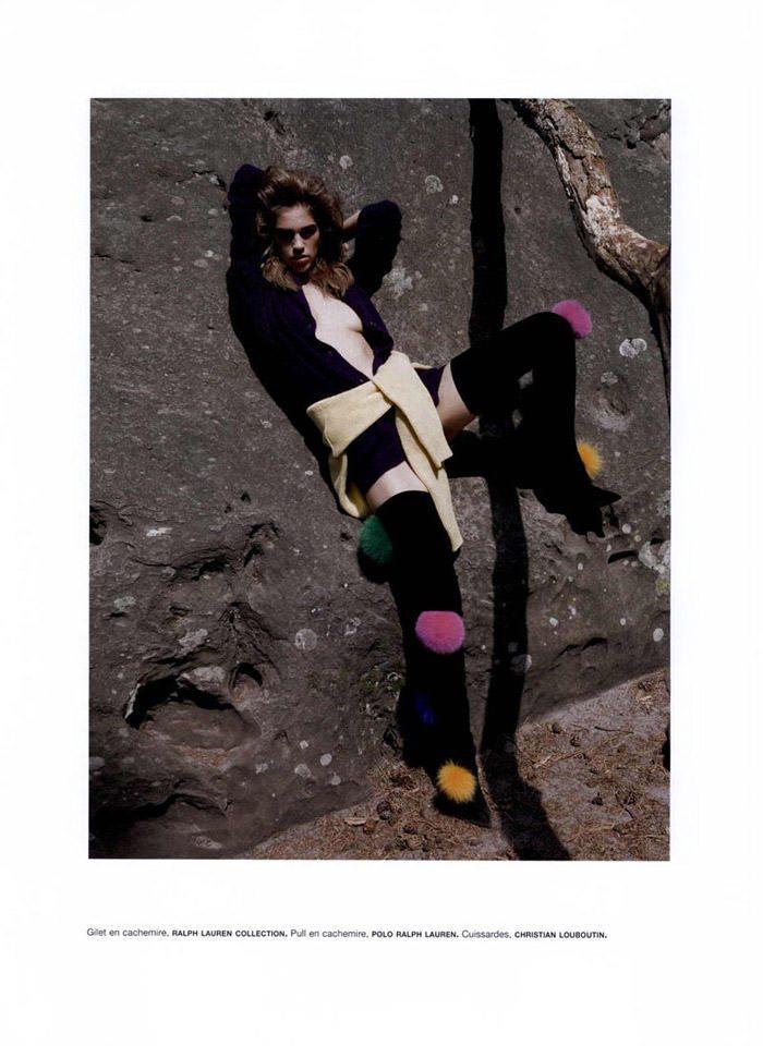 """Samantha Gradoville photographed by Viviane Sassen in """"Goutte d'eau sur pierres brûlantes"""" for Numéro #115 3"""