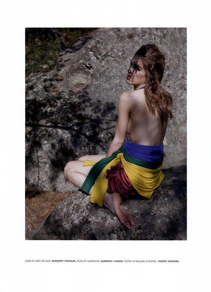 """Samantha Gradoville photographed by Viviane Sassen in """"Goutte d'eau sur pierres brûlantes"""" for Numéro #115 6"""