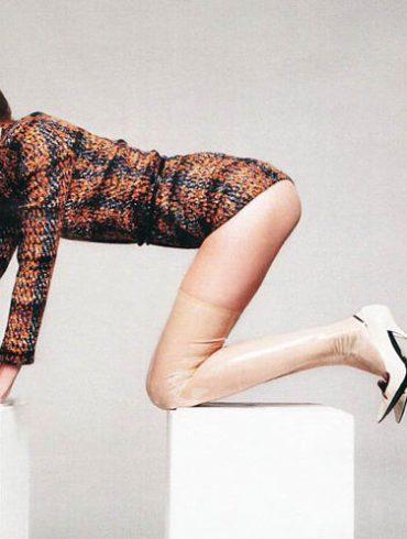 """Julia Stegner photographed by Claudia Knoepfel & Stefan Indlekofer in """"Freistil"""" for Vogue Deutschland, December 2010 1"""