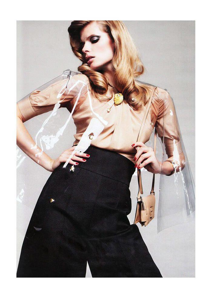 """Julia Stegner photographed by Claudia Knoepfel & Stefan Indlekofer in """"Freistil"""" for Vogue Deutschland, December 2010 7"""