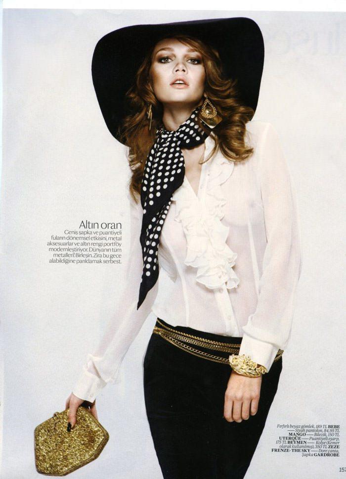 """Elena Lomkova photographed by Emre Dogru in """"Stüdyo 54"""" for Vogue Türkiye, December 2010 3"""