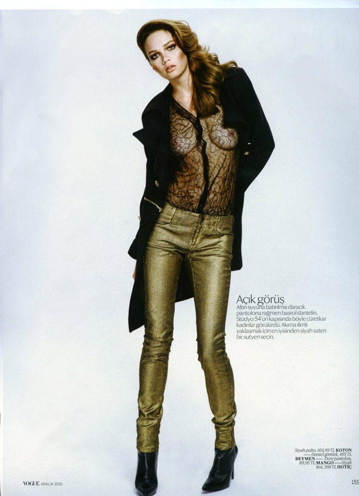 """Elena Lomkova photographed by Emre Dogru in """"Stüdyo 54"""" for Vogue Türkiye, December 2010 7"""
