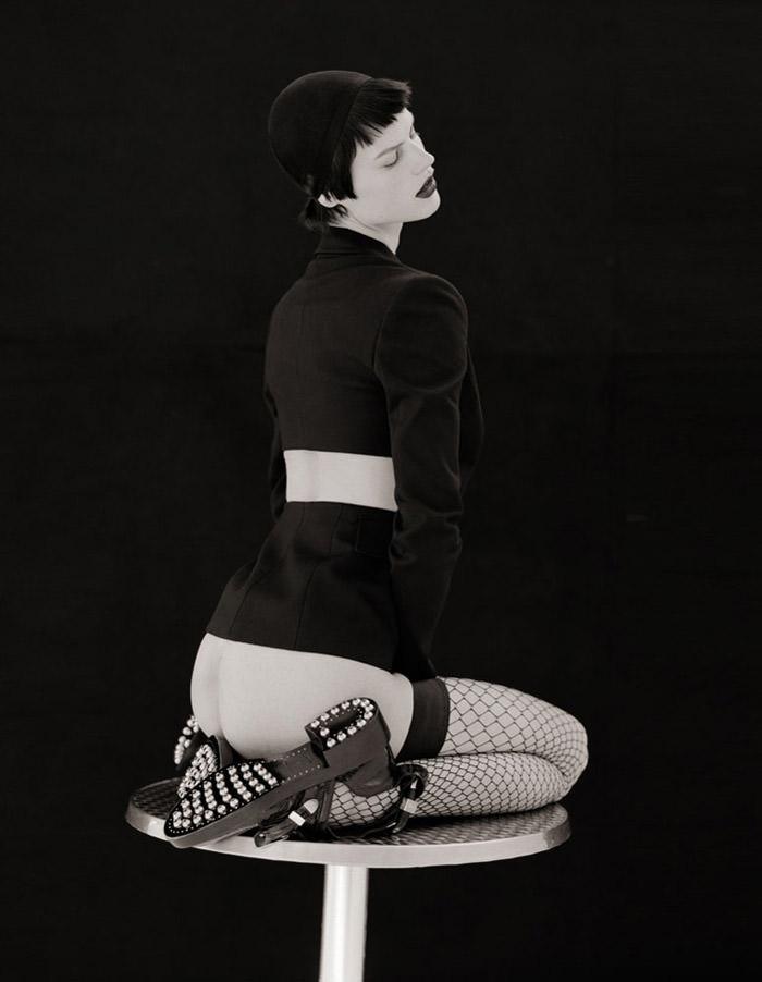 Saskia de Brauw photographed by Matthew Brookes for M Le Monde 6