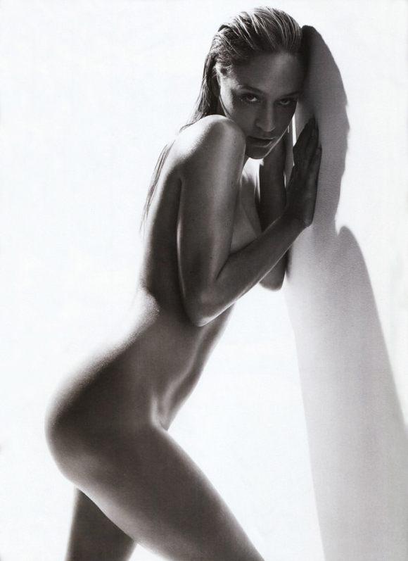 Milla Jovovich & Chloe Sevigny photographed by Michael Thompson for Photo Magazine #479 2