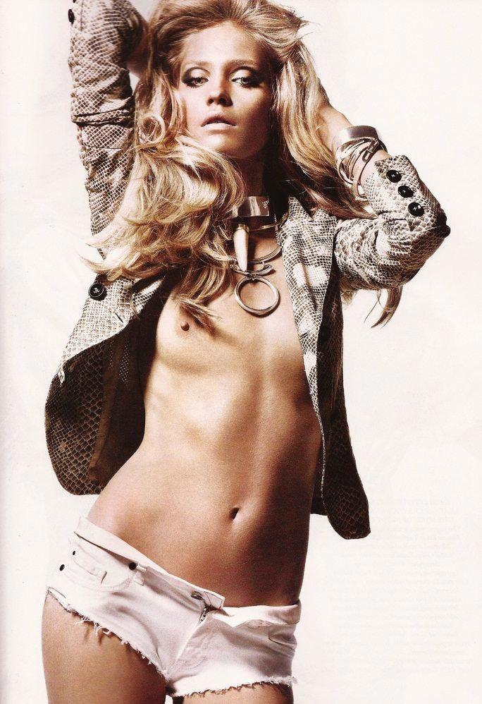 """Heidi Mount photographed by Jason Kibbler in """"Serpent's Kiss"""" for Harper's Bazaar UK, June 2011 3"""