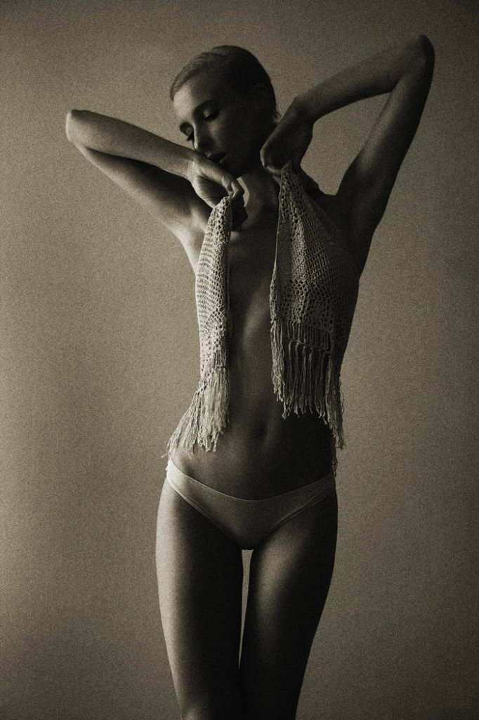 Laura by Pierre Dal Corso @ Fashionography