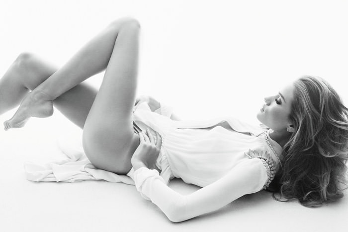 Rosie Huntington-Whiteley by Alexi Lubomirski for Vogue