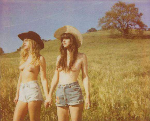 Kelley Ash and Chelsea Schuchman by Chloe Aftel