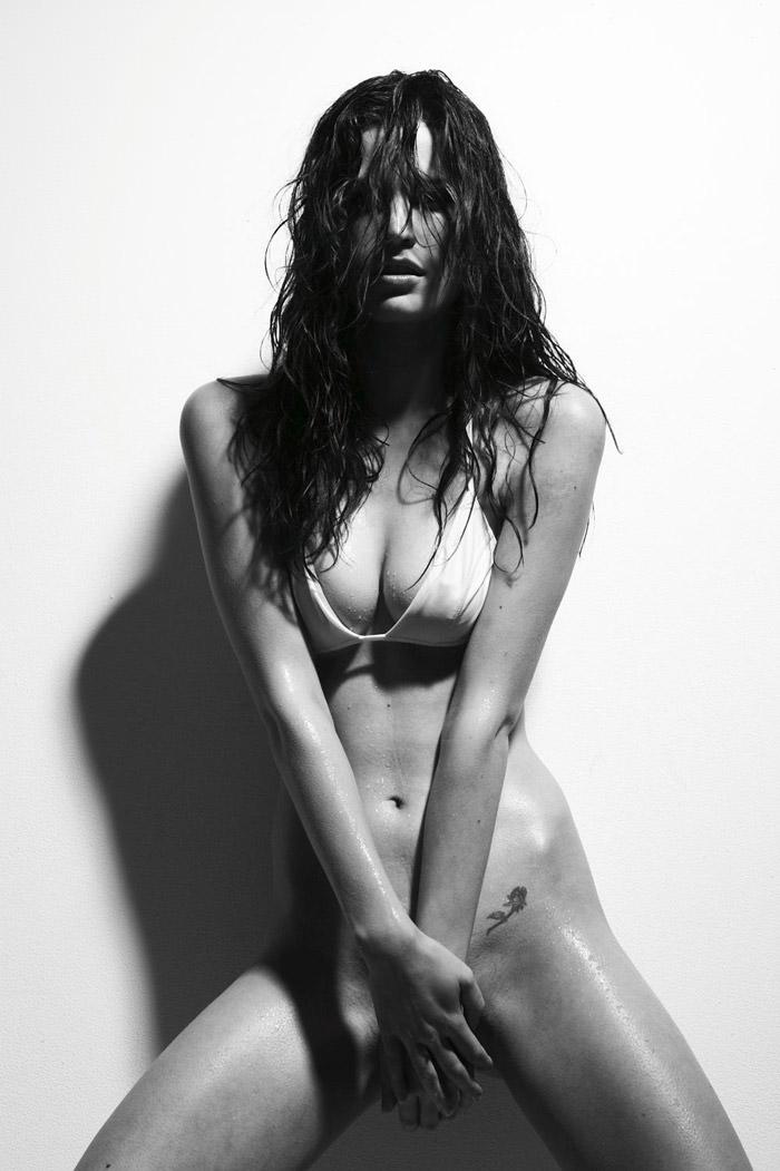 Melissa Haro by Antoine Verglas