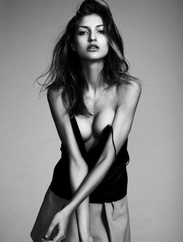 Simona Andrejic by Daniel Martinez