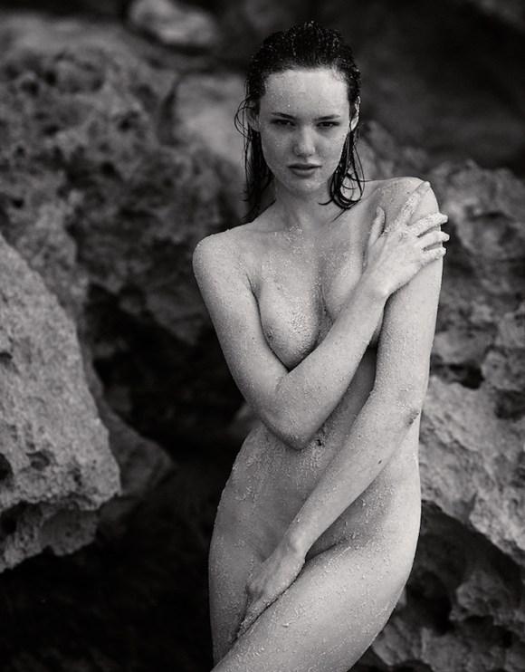 Anya Lyagoshina by Jurij Treskow