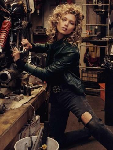 Hana Jirickova by Benny Horne for Vogue Spain