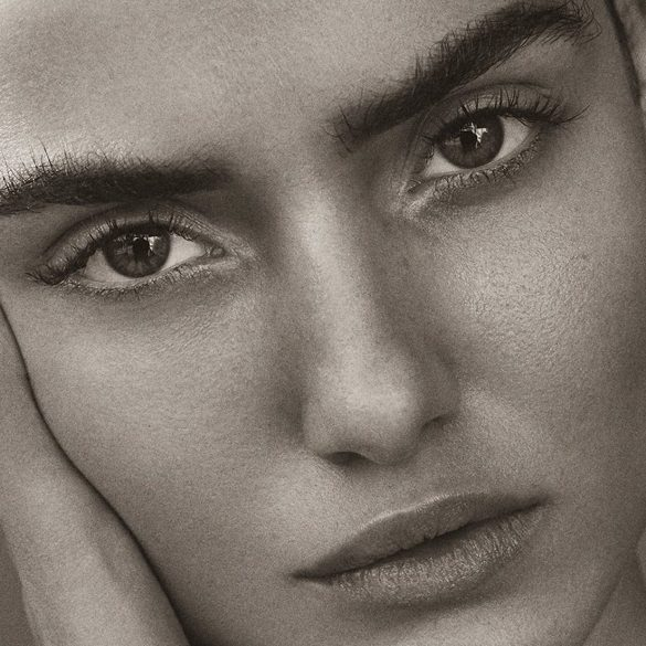 Blanca Padilla photographed by Tom Schirmacher for Harper's Bazaar Turkey, January 2017 1