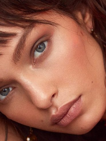 Luma Grothe photographed by Greg Swales for Elle Serbia, February 2018 3