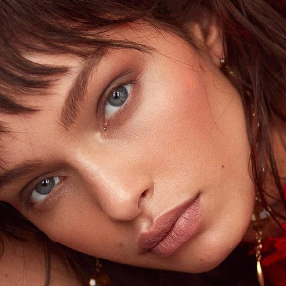 Luma Grothe photographed by Greg Swales for Elle Serbia, February 2018 1