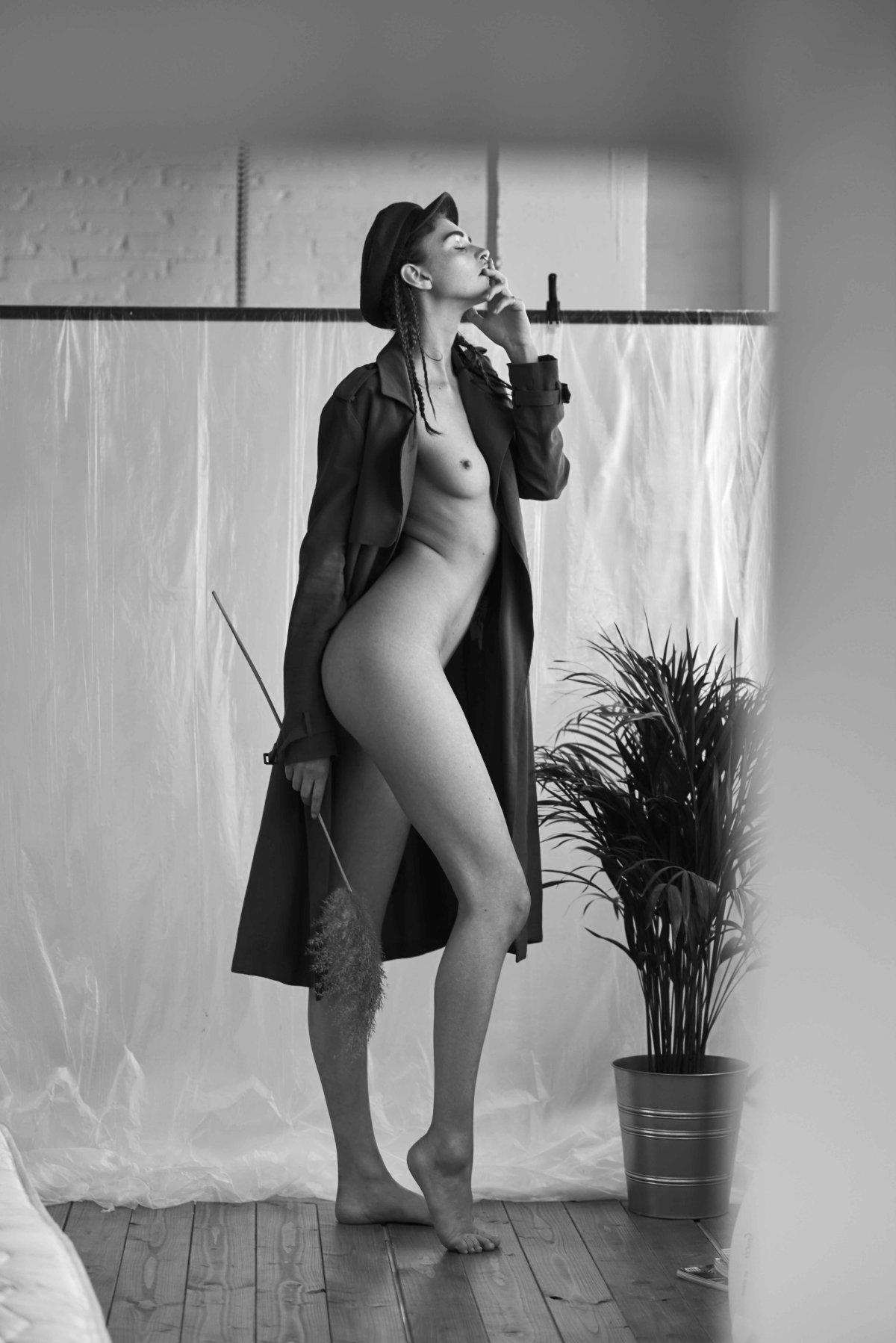 Tara Lilly by Ruben Suarez